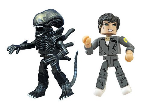 TRU Exclusive Ripley & Screaming Xenomorph Alien Minimates